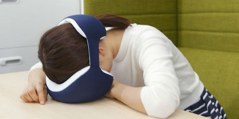 Power nap pillow with eye-mask