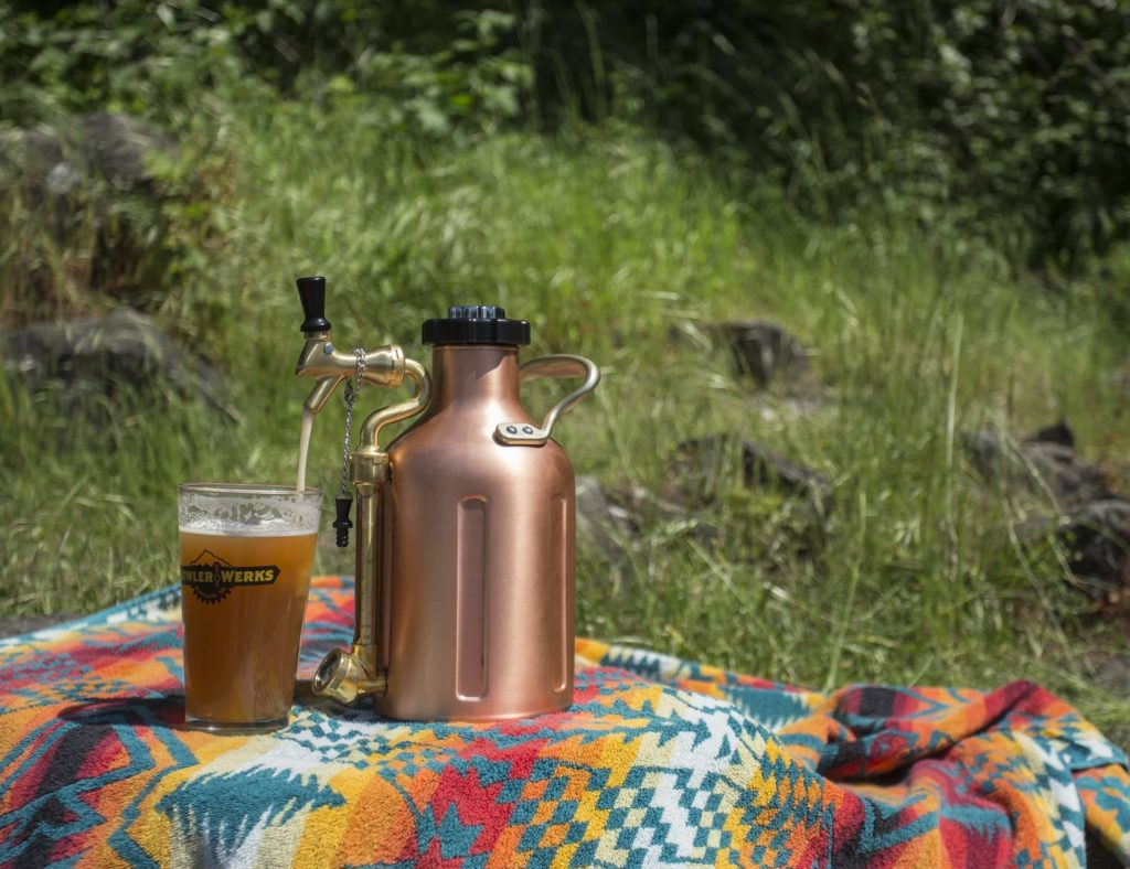 GrowlerWerks+uKeg+Draft+Beer+Growler