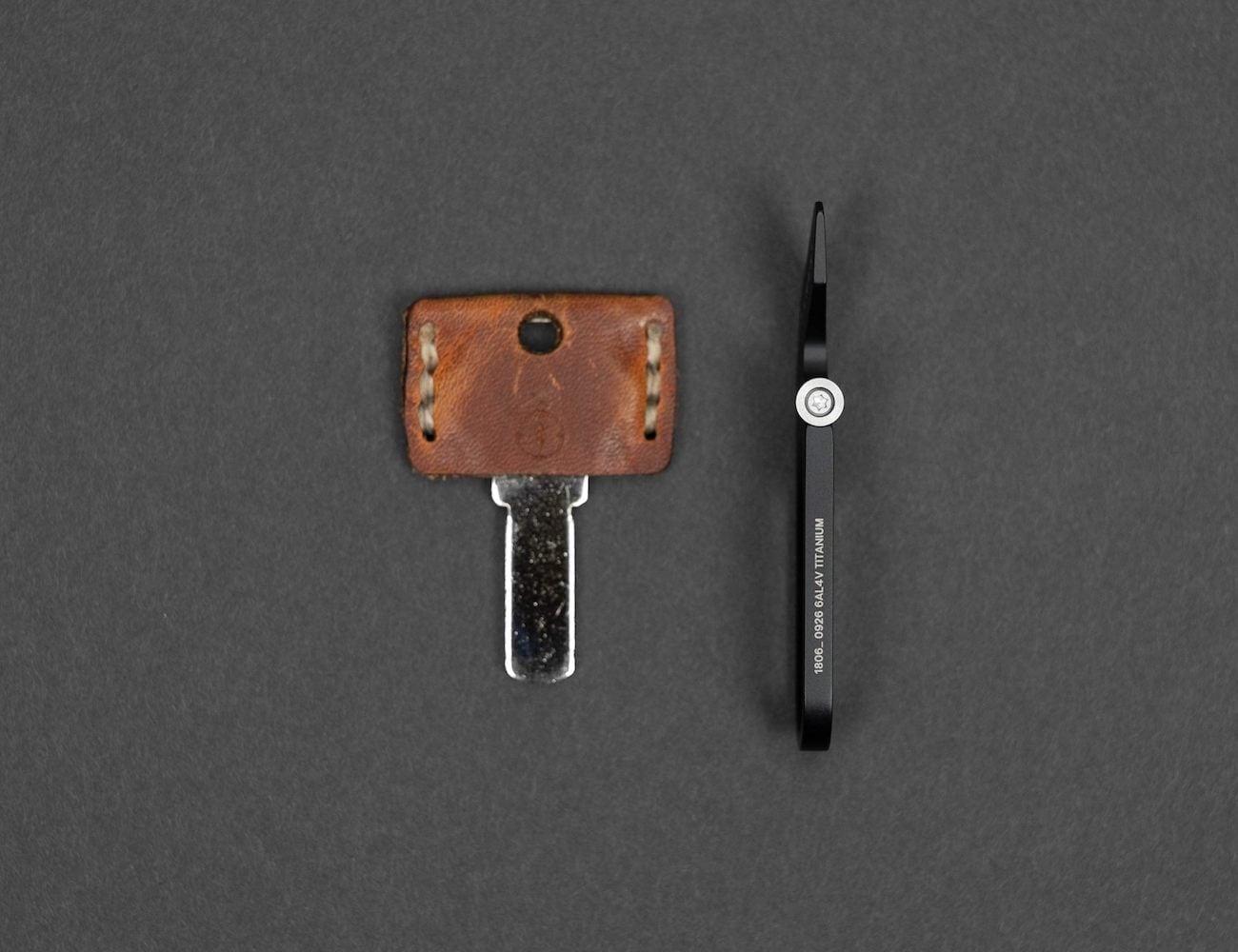 James Brand Halifax Multifunctional Keychain Tool