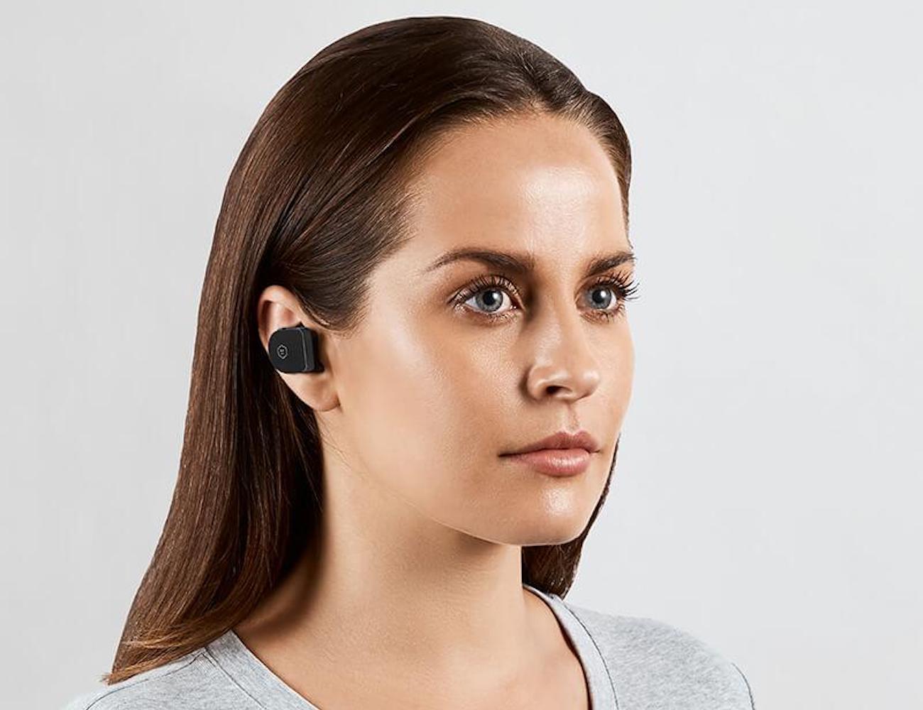 https://thegadgetflow.com/wp-content/uploads/2018/09/Master-and-Dynamic-MW07-True-Wireless-Earphones-01.jpg