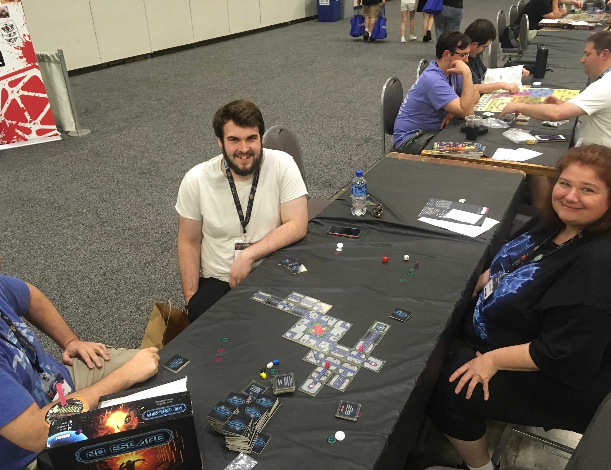 No Escape Strategic Maze-Building Board Game
