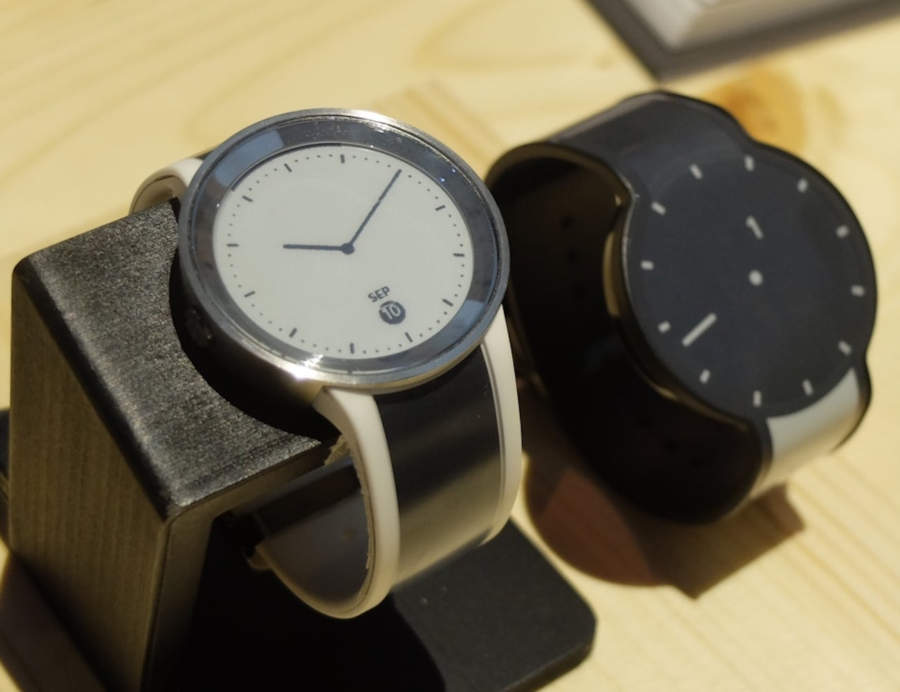 Sony FES Watch U E-paper Fashion Watch