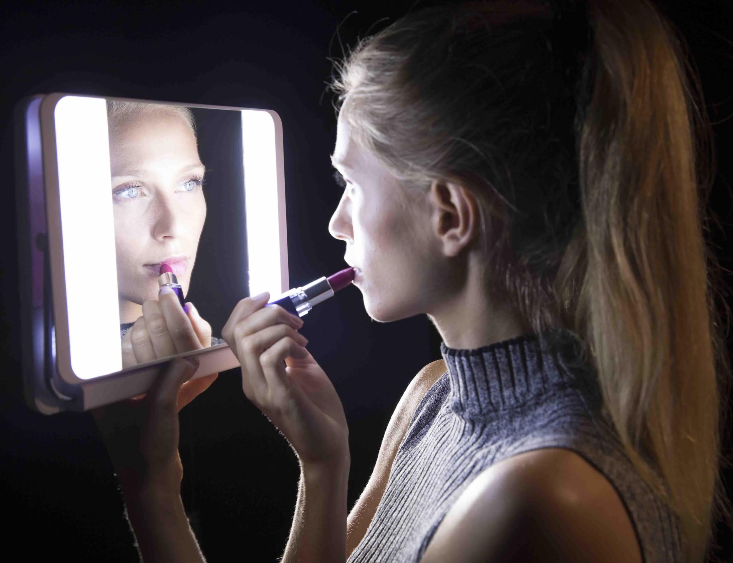 Spotlite HD True Daylight Makeup Mirror