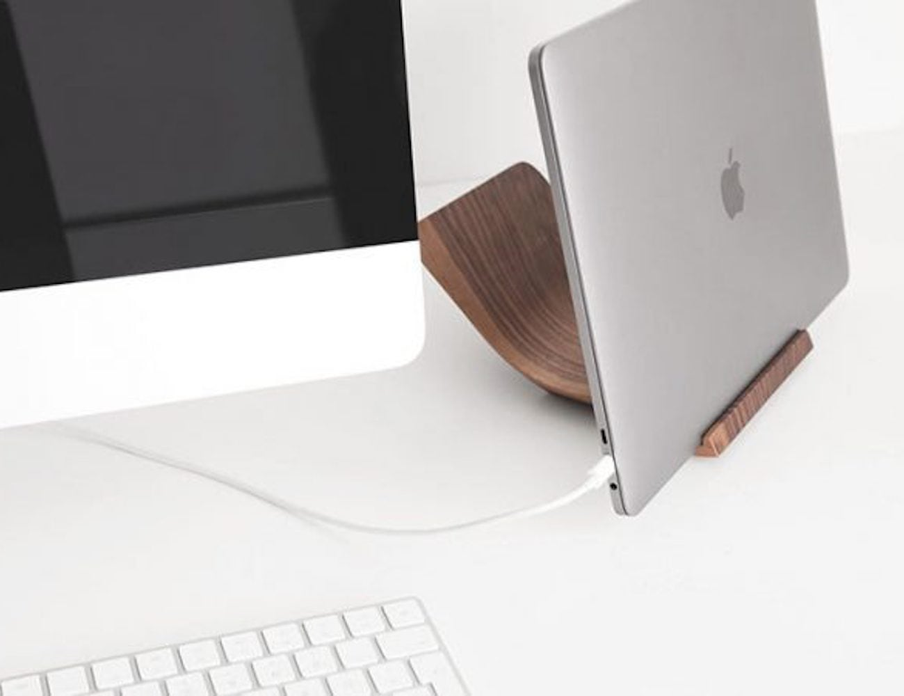 Yohann Wooden MacBook Pro and MacBook Stand
