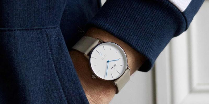 hybrid smartwatch 03