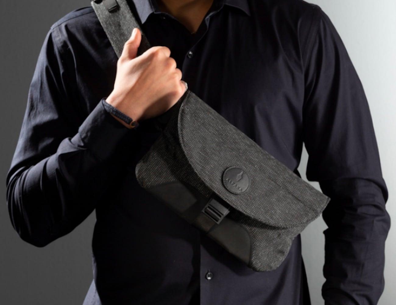 ALPAKA Air Sling Cut-Proof Sling Bag