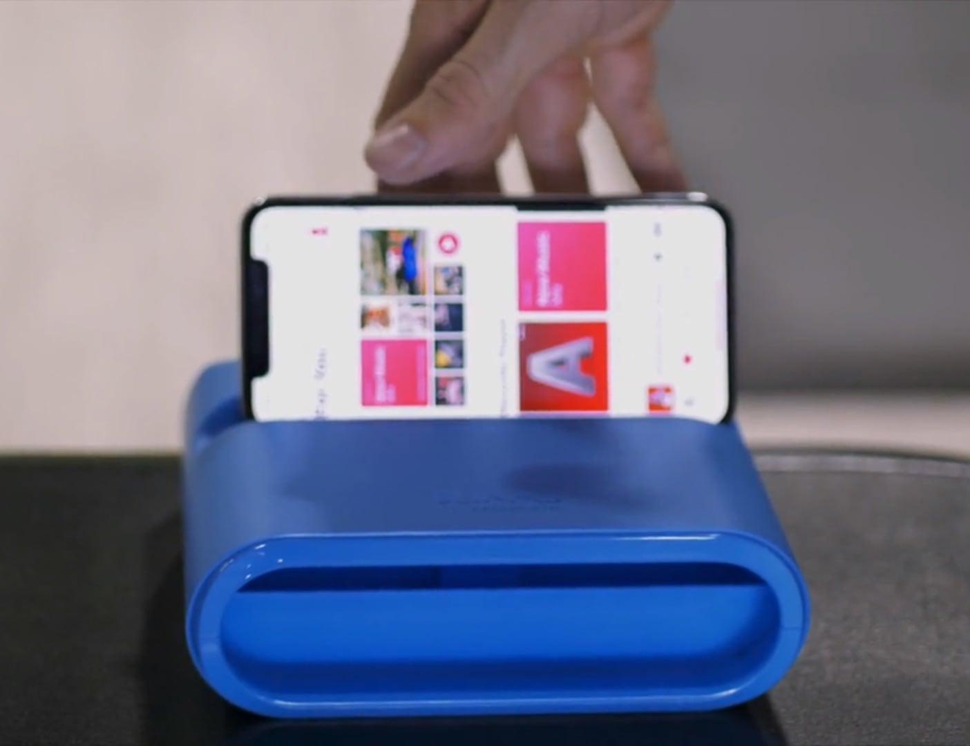 BLINKKS AkouStand Sound Amplifying Phone Stand