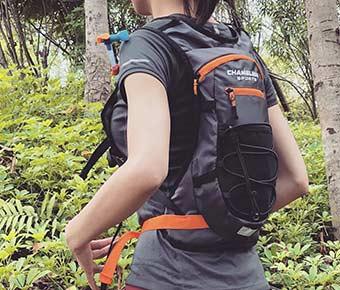 Chameleon+Sports+Lightweight+Hydration+Backpack