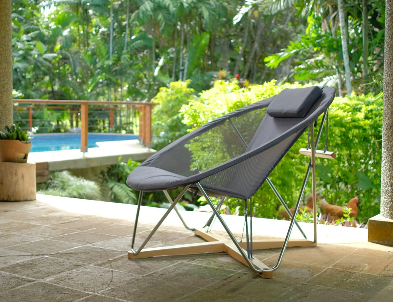 Emerick Lounger Flat-Packed Lounge Chair