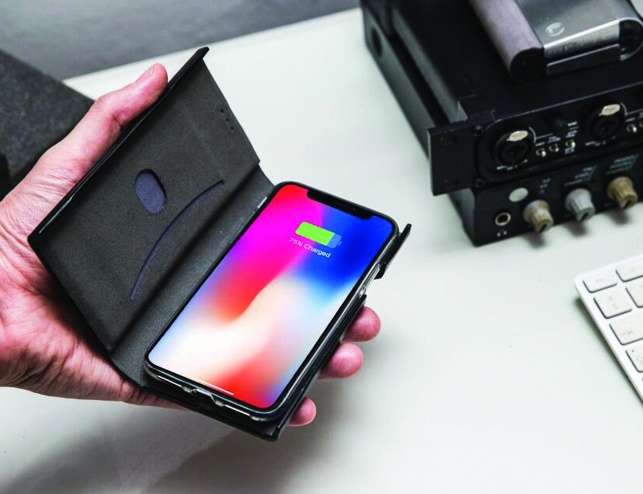Lesflux Wireless Smartphone Charging Case