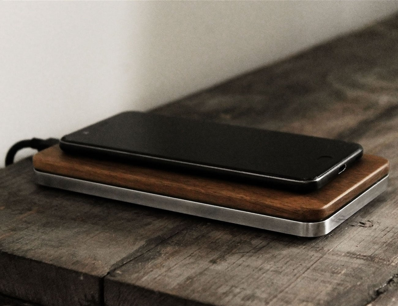 THE BRICK Wireless Fast Charger