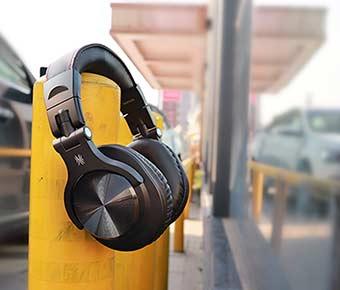 Wireless+Headphones+for+DJs