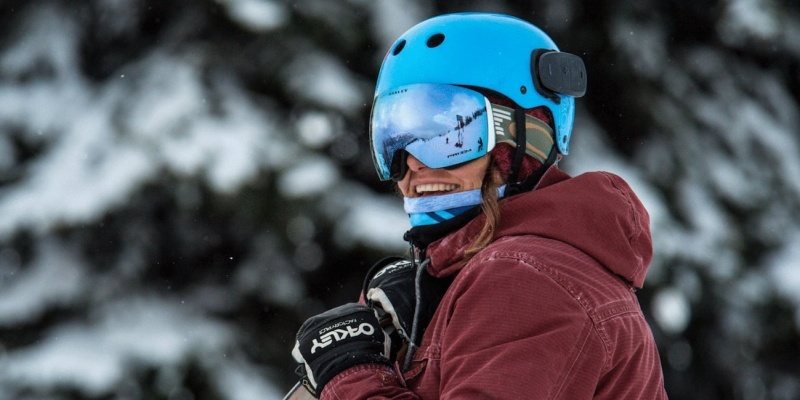 skiing and snowboarding gear 03