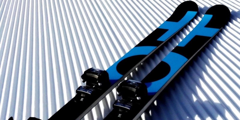 skiing and snowboarding gear 07