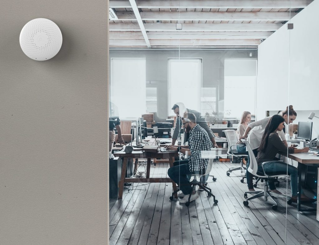 Airthings+Wave+Plus+Smart+IAQ+Monitor