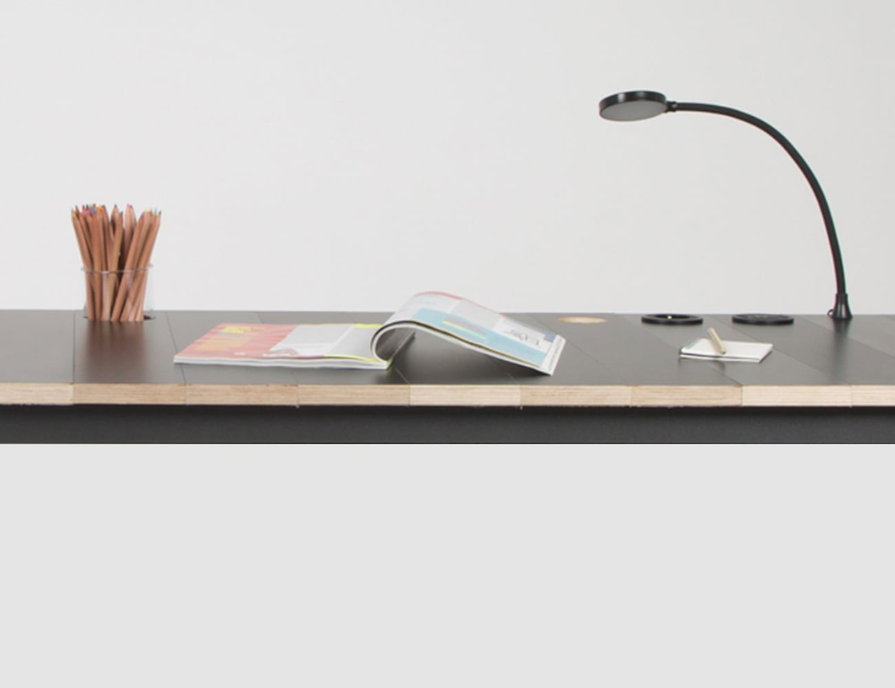 De-sk Modular Desk System