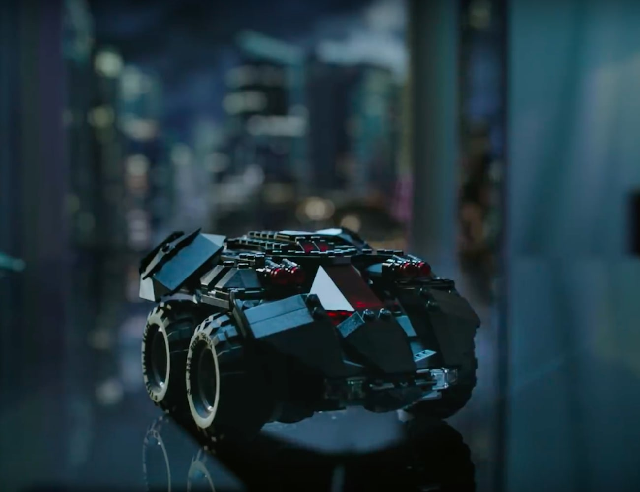 LEGO DC Super Heroes App-Controlled Batmobile