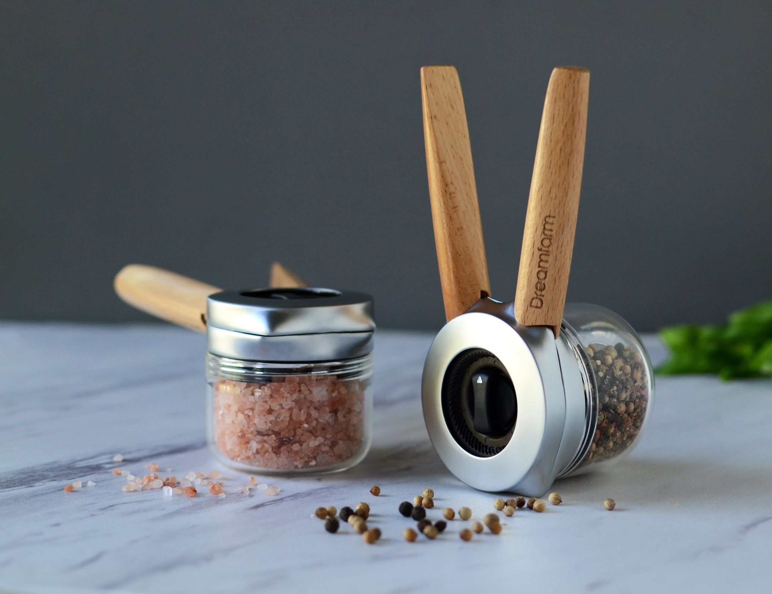 Ortwo One-Handed Pepper Mill