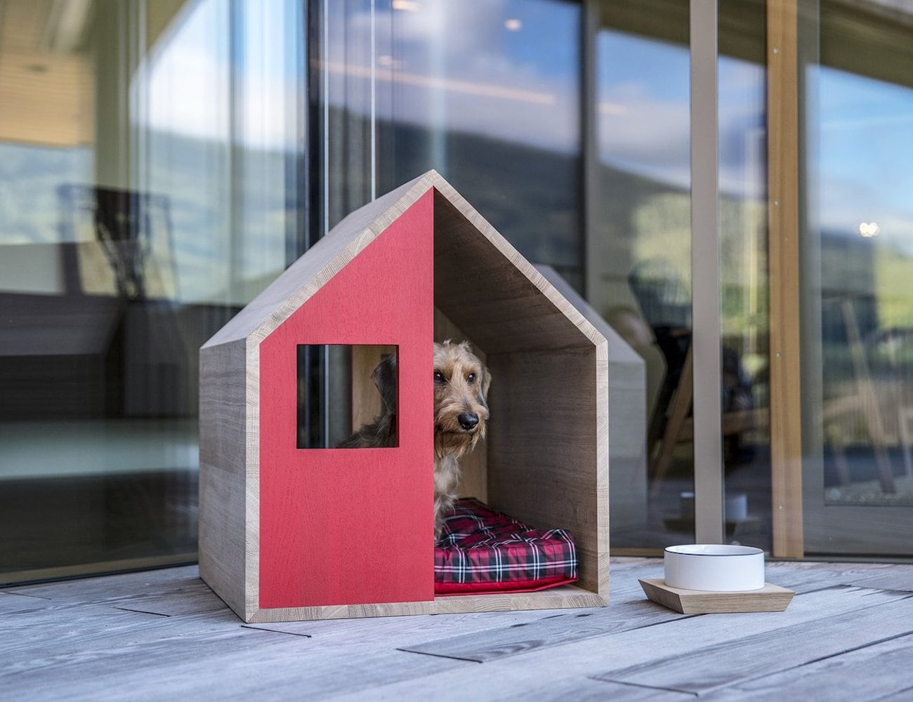Poldo Dog Couture POLDHAUS Wooden Dog Kennel