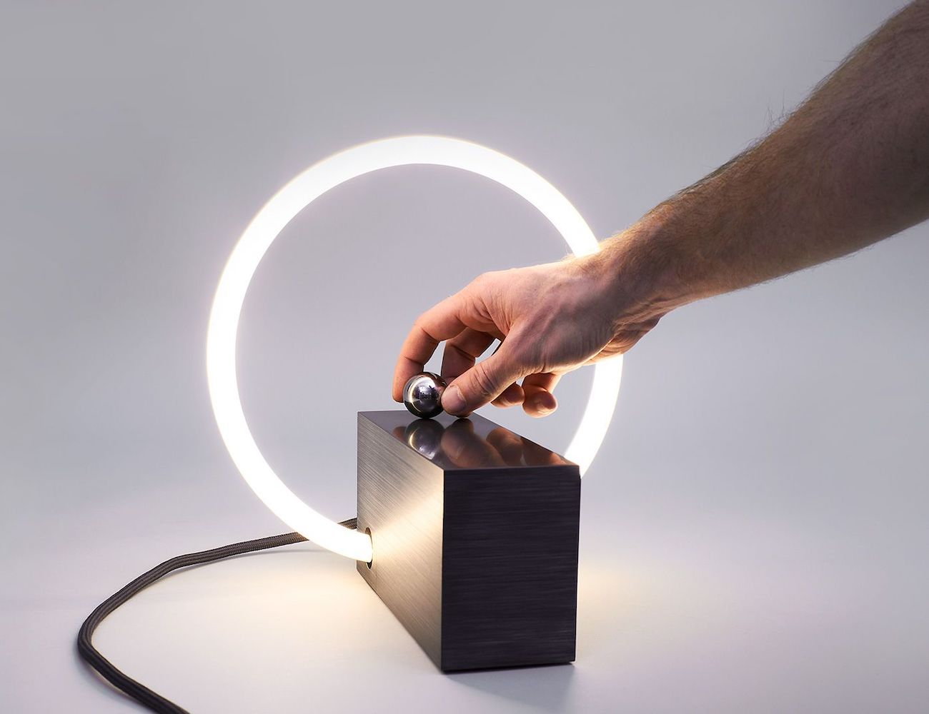 Rlon L3 Interactive Table Lamp