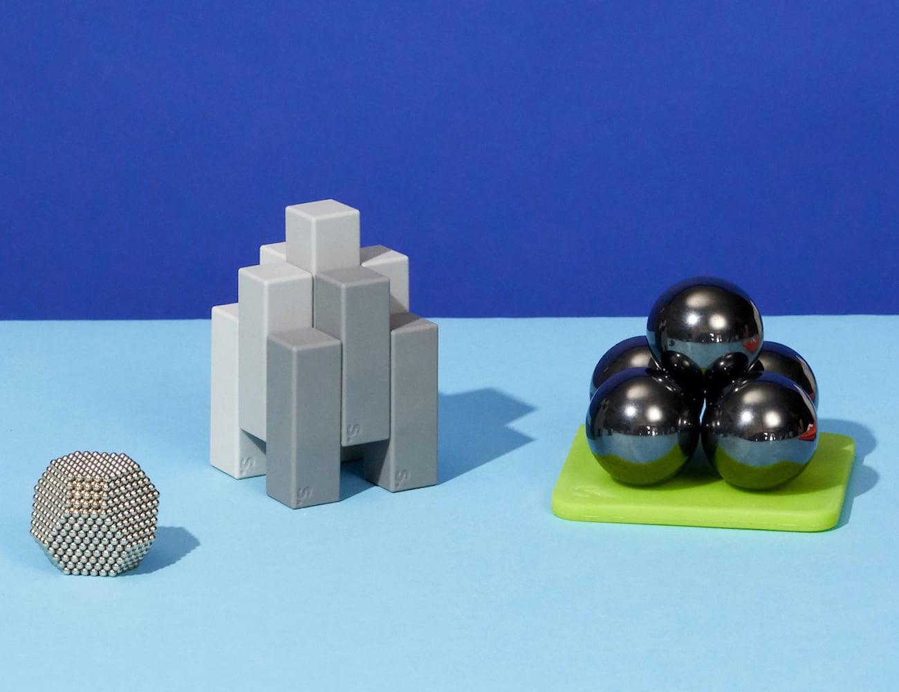 Speks Magnetic Desk Toys » Gadget Flow