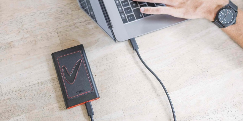 Make your devices last all day with VogDUO » Gadget Flow