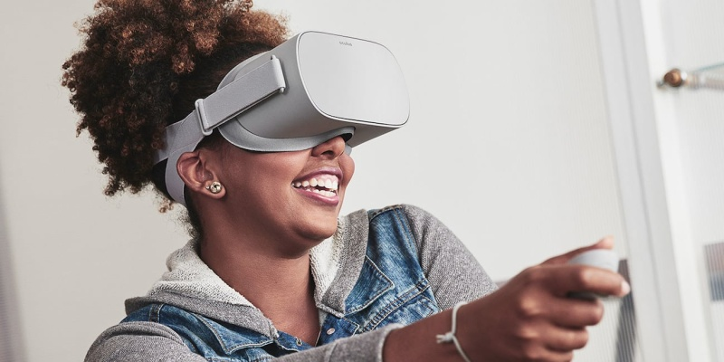 Oculus Go Wireless VR Headset - Holiday gift guide 2018 — the best gifts for gamers