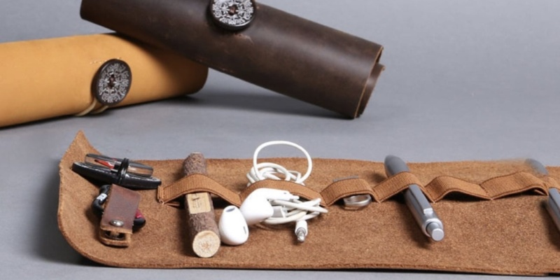 Leather Everyday Organizer - 9 beautiful leather goods for every occasion