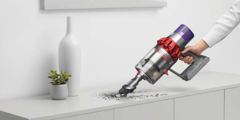 Dyson Cyclone V10 Cordless Vacuum - Holiday gift guide 2018 - 10 Smart gadgets to make your life easier