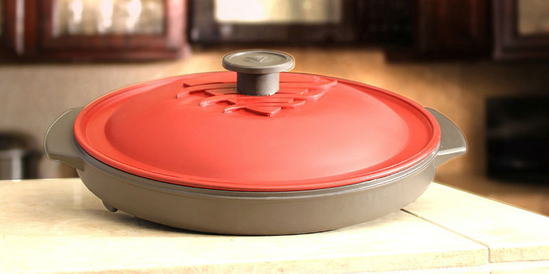 Reheatza Microwave Pizza Pan - 7 Pizza makers for a cheese-filled weekend