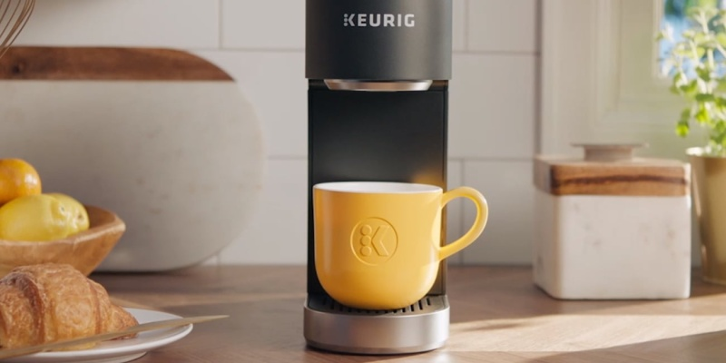 Keurig K-Mini Plus Portable Coffee Maker - Holiday gift guide 2018 — the best gifts for treating yourself
