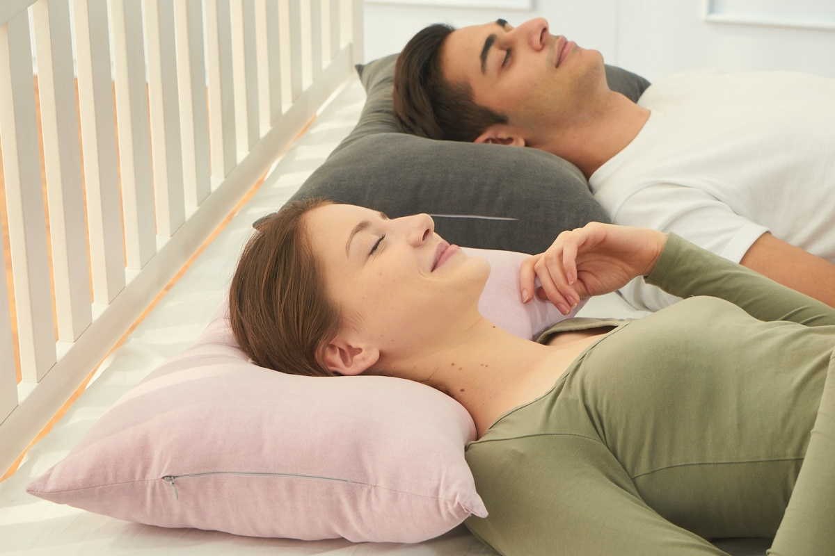 Expect to be comfortable with the Cotton Shower Pillow