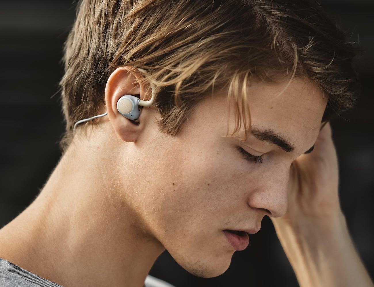 Jays m-Six Wireless Sweatproof Sport Earphones