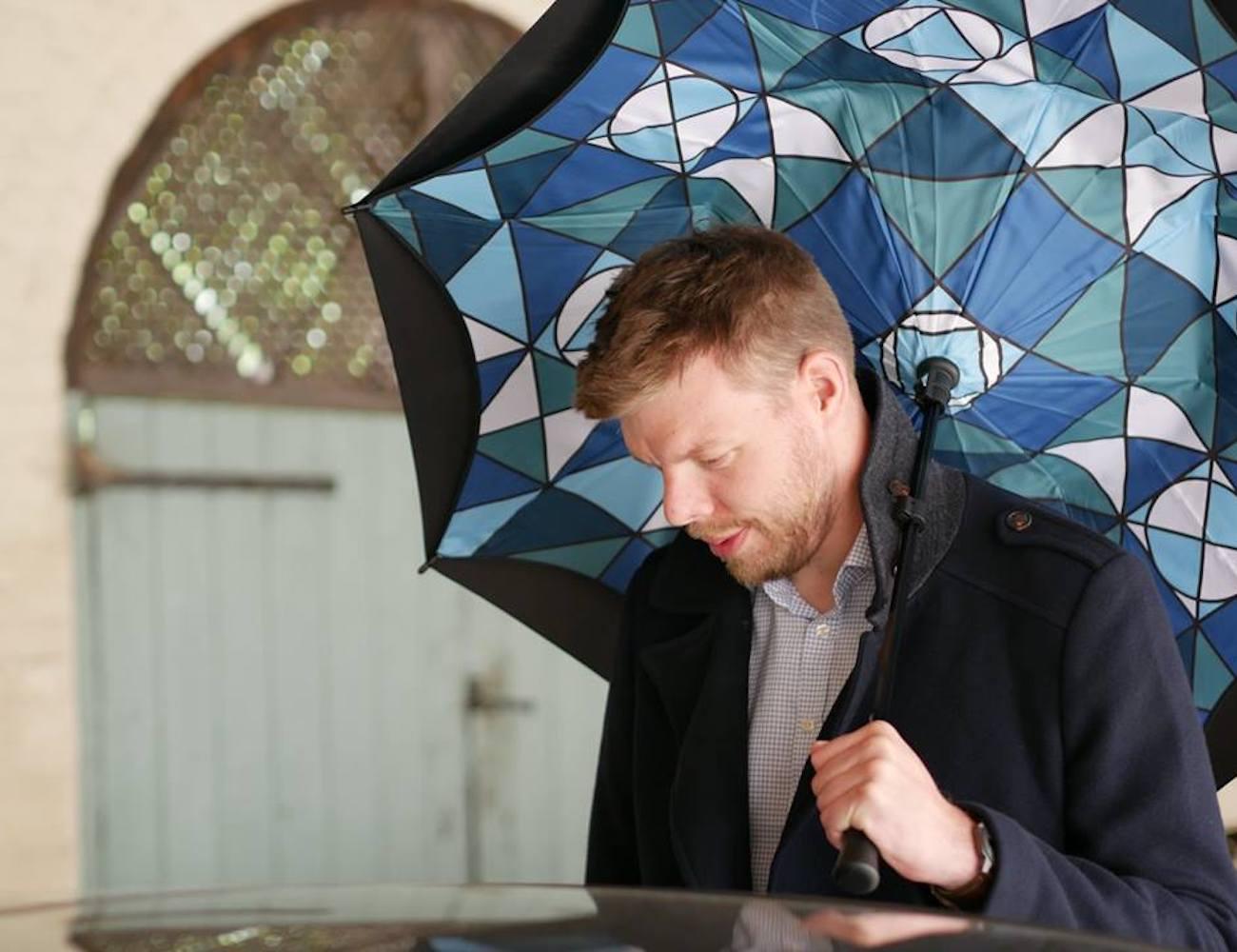 KAZbrella Reverse Folding Inverted Umbrella