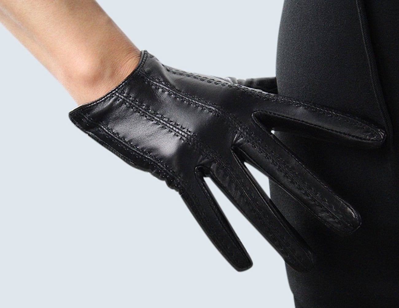 LETEO Affordable & Luxurious Smart Gloves