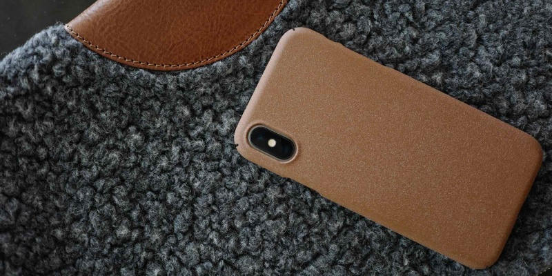 hardgraft Grainy iPhone Xs/Xs Max Cover - Holiday gift guide – Gift ideas under $100