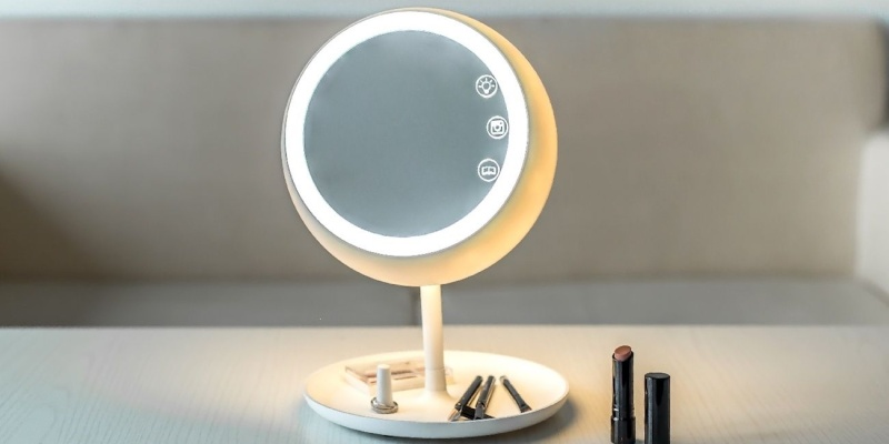 JUNO – Smart Makeup Mirror - Holiday gift guide – Gift ideas under $100