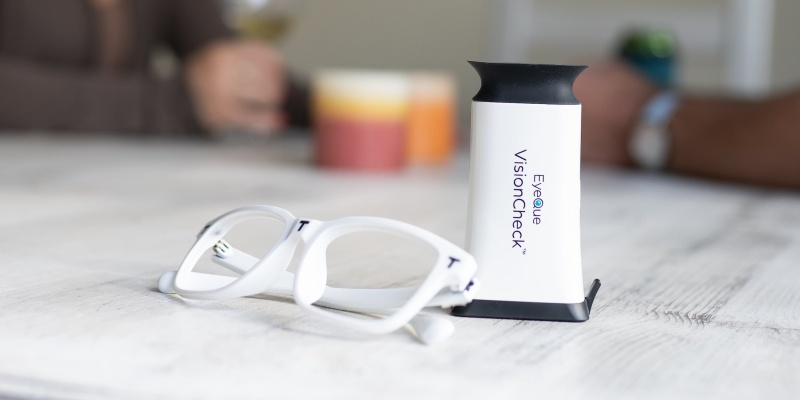 eye test - EyeQue VisionCheck is the most convenient eye test ever