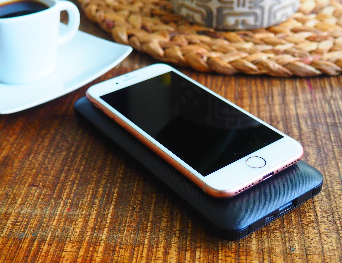 intelliARMOR Scout Versatile All-In-One Charger