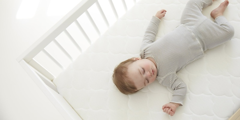 Newton Breathable Crib Mattress - Holiday gift guide - The best gifts for busy parents