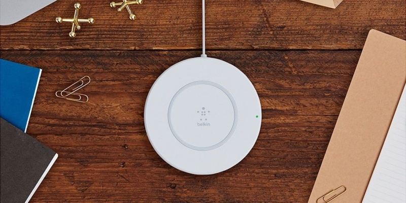 Belkin BOOST UP Wireless iPhone Charging Pad - Holiday gift guide – Gift ideas under $50
