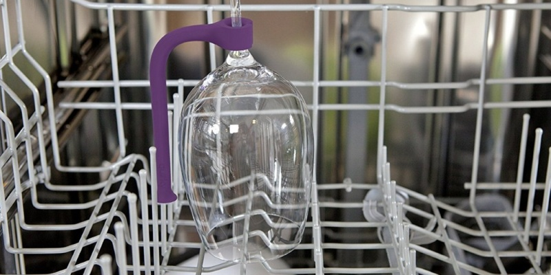 Tether Flexible Silicone Dishwasher Attachment - Wine accessories that will make you reach for a glass