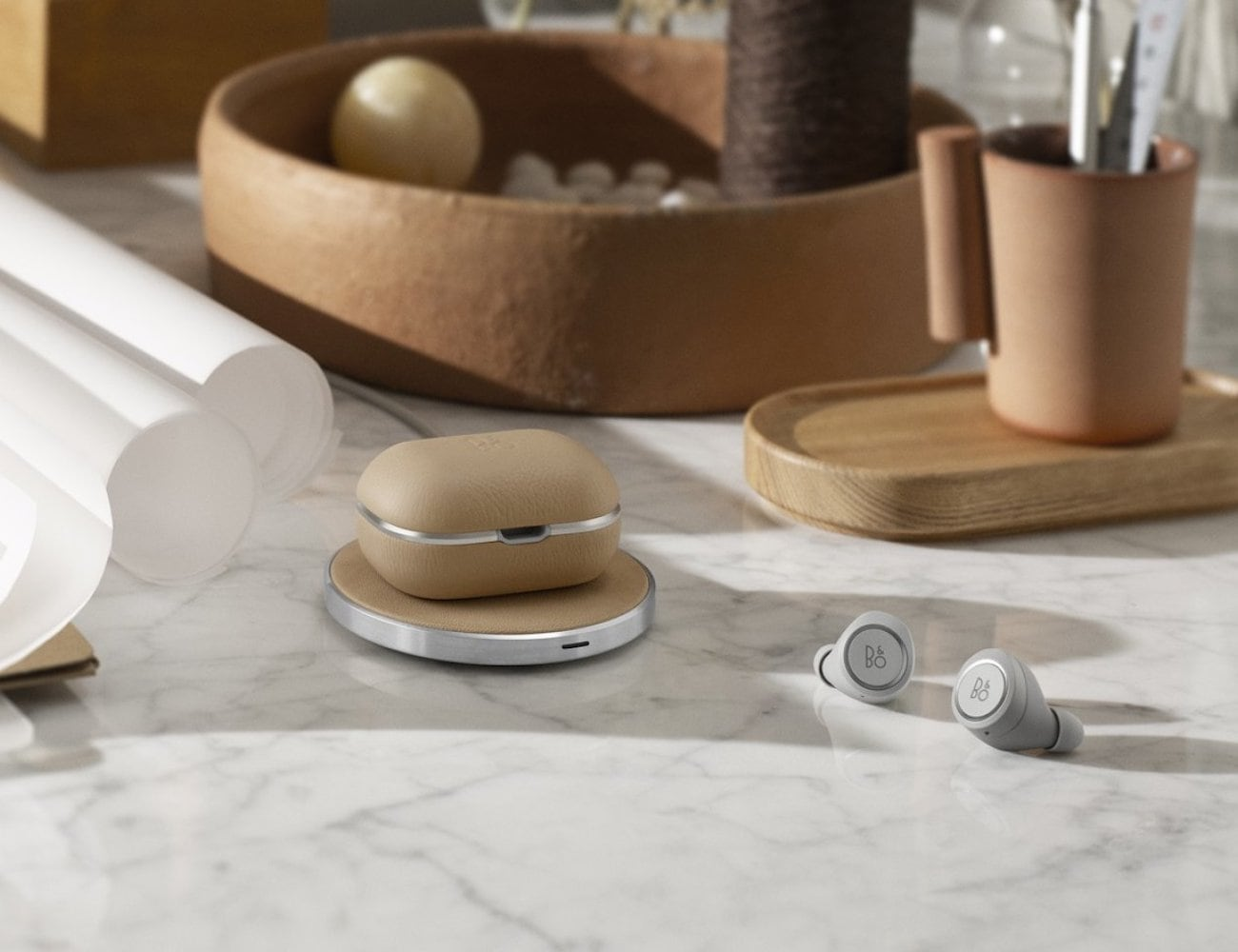 Bang & Olufsen Beoplay E8s 2.0 Wireless Earbuds loading=