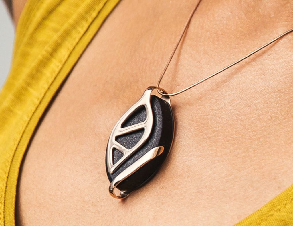 Bellabeat+Leaf+Urban+Health+Tracking+Jewelry