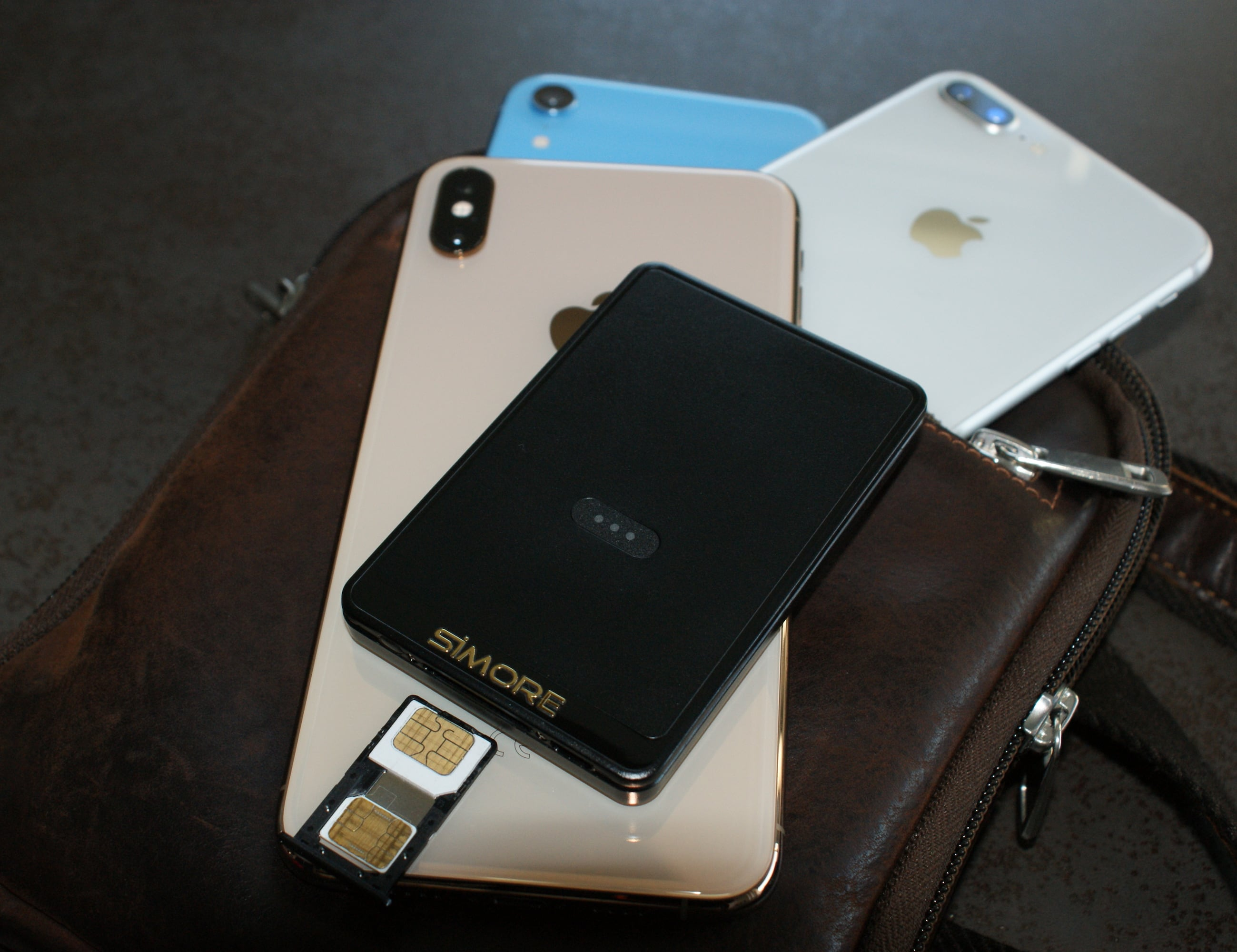 SIMore E-Clips Gold iPhone Dual SIM Adapter