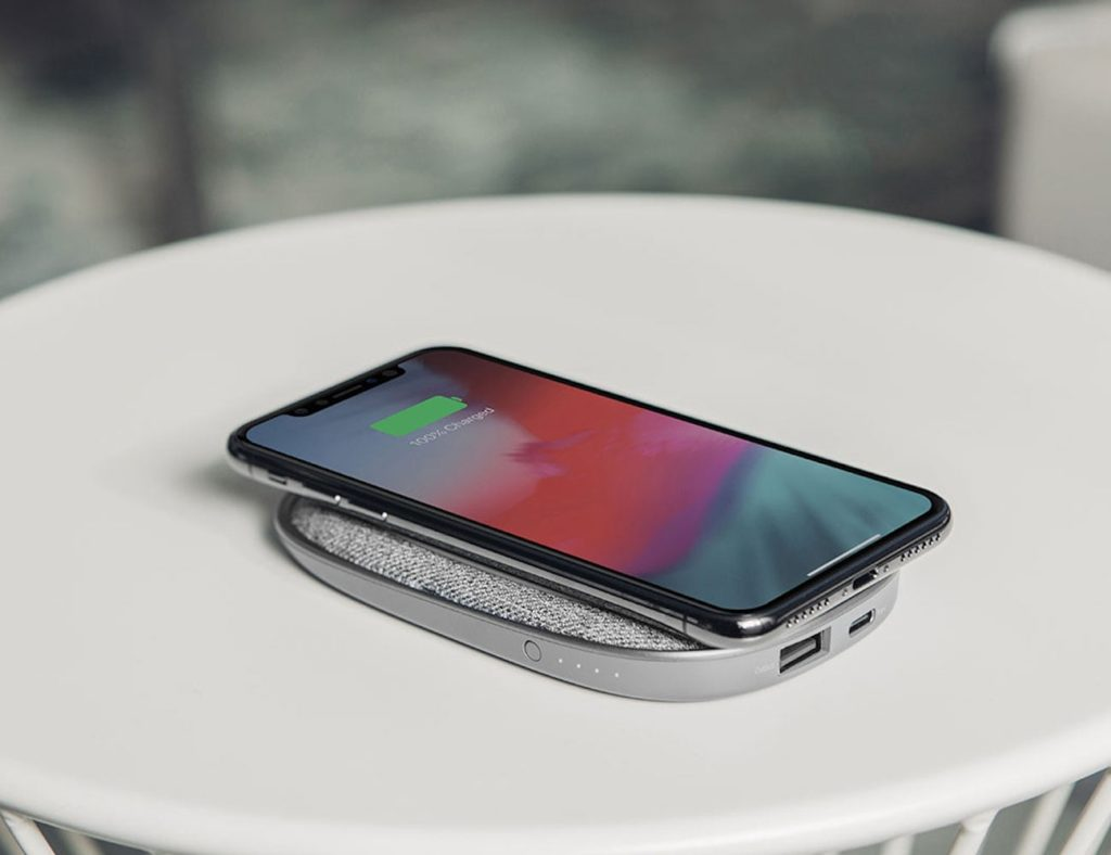 How Long Does A Tesla Take To Charge >> Which power bank should you buy in 2019? (power bank gadgets)