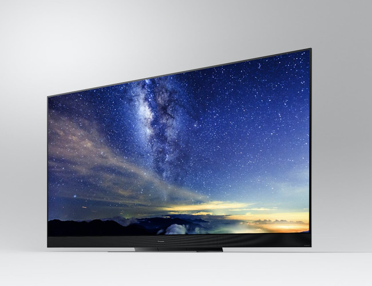 Panasonic GZ2000 4K OLED TV