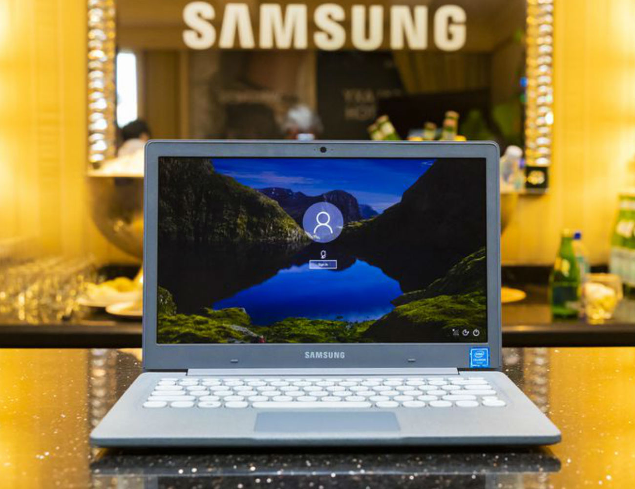 Samsung Flash Ultra Slim Notebook