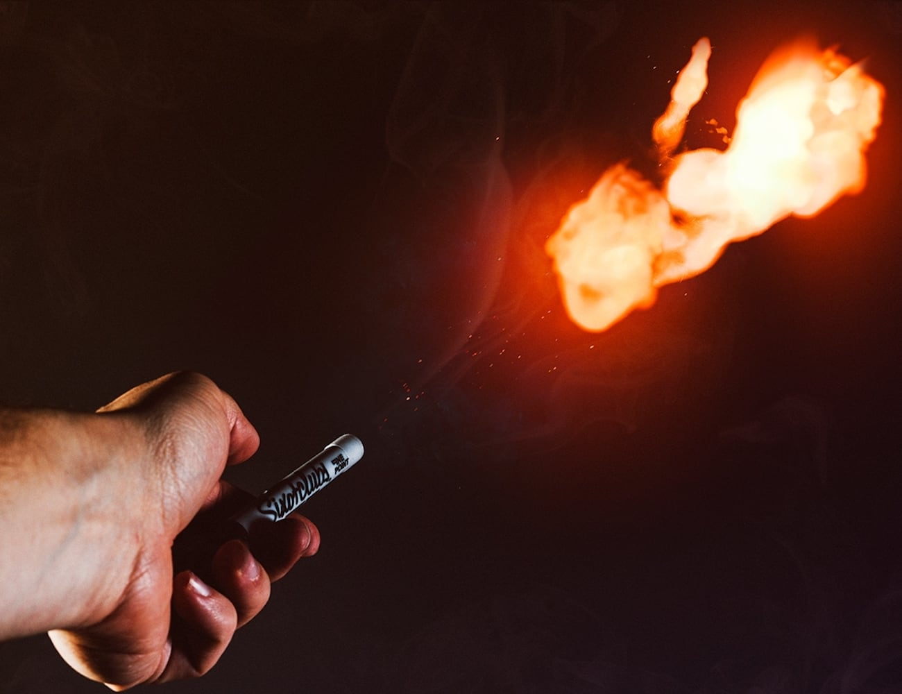 Ellusionist Pyro Wireless Fireball Shooting Pen