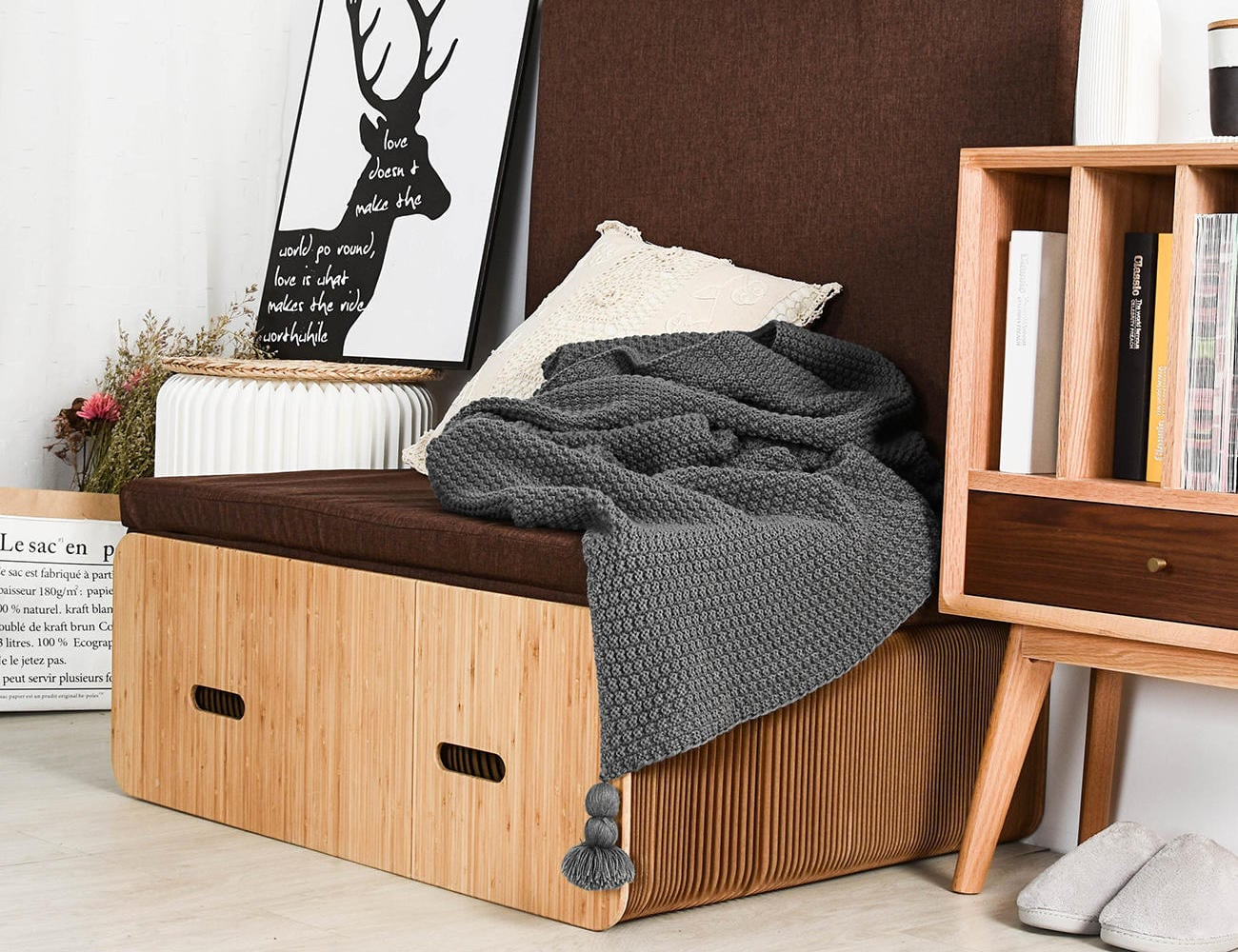 Extendable Flat Pack Paper Bed